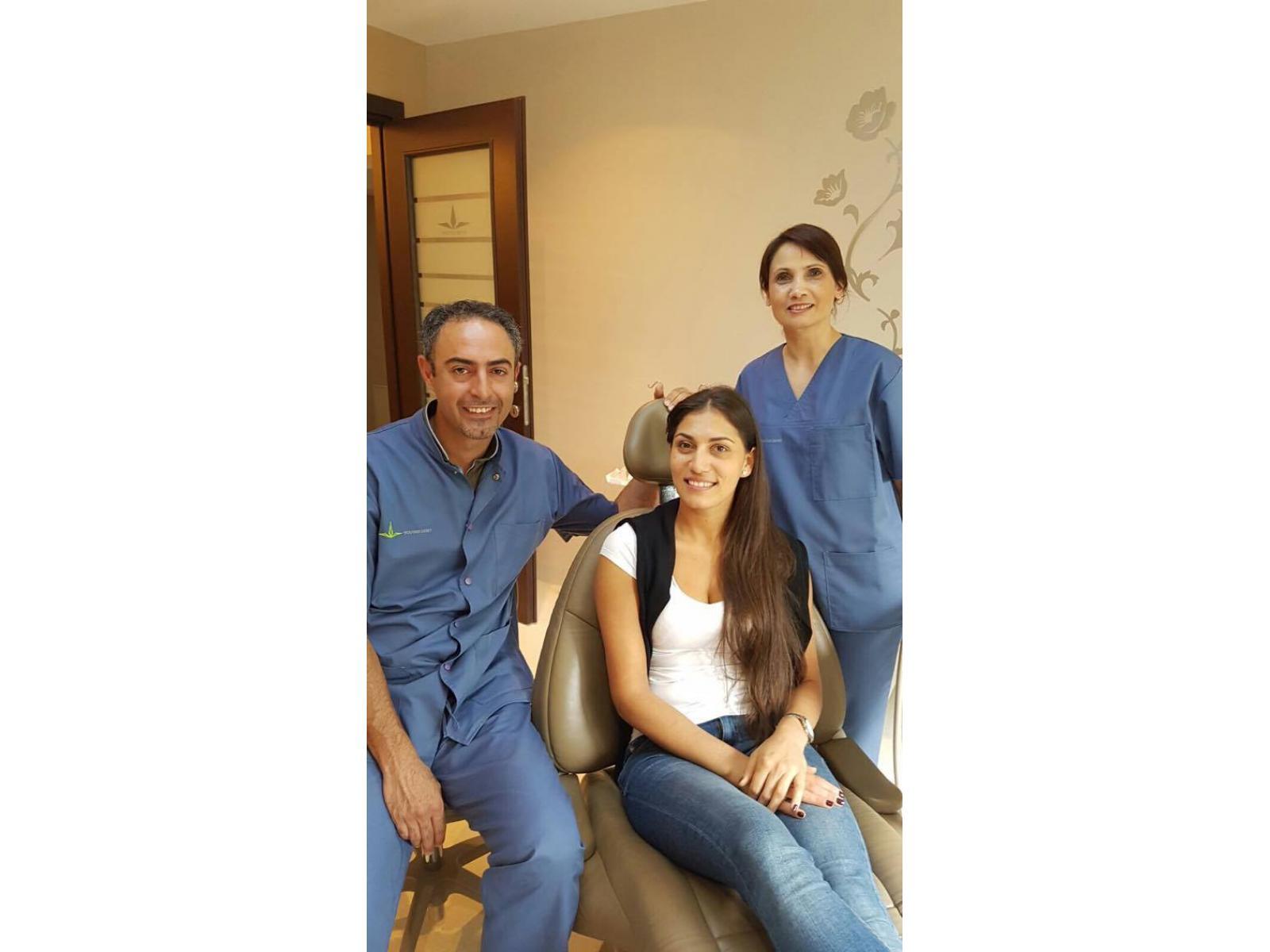 Clinica Stomatologica Younis Dent - 13446321_10206475197654573_1037816558_o.jpg